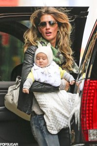 Gisele-Bündchen-carried-baby-Vivian-outing-NYC (2)